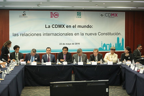 El día 23 de mayo del 2016 se llevó a cabo en el Senado de la República el Seminario: La CDMX en el mundo: Las relaciones internacionales en la nueva Constitución.