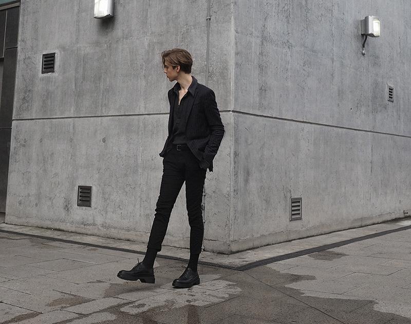 mikkoputtonen_fashionblogger_london_outfit_style_luisaviaroma_allsaints_jilsander_platform_runway_derbies_shoes_jwanderson_simonnjewelry_mensfashion8_web