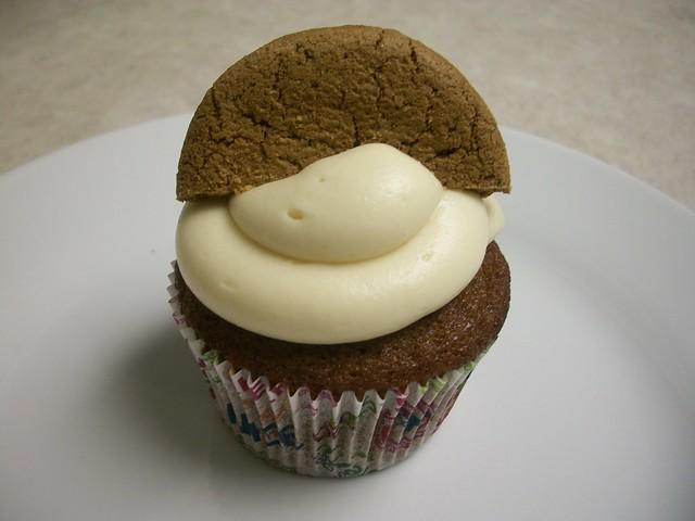 gingerbread cupcakes 16