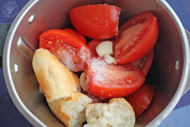 Tostas Salmorejo, sardinas marinadas y caviar de aove www.cocinandoentreolivos.com (15)