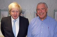 倫敦市長(左)親訪Community Shop。圖片來源:Community Shop