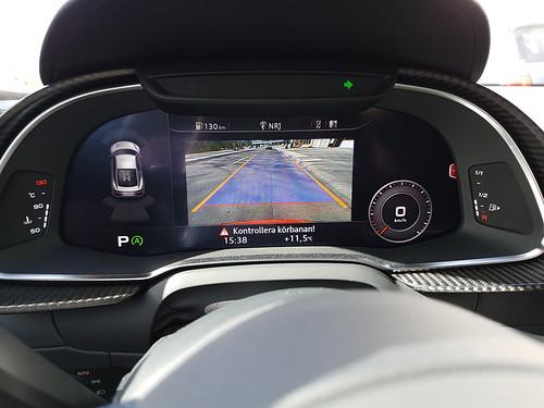 Audi R8 V10 -14 vs Audi R8 V10 -16