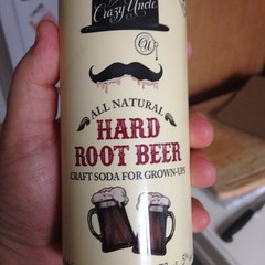 Beersperiment: Crazy Uncle\'s Hard Root Beer me:4* @halyma: 3*