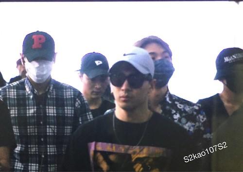 Big Bang - Incheon Airport - 05jun2016 - S2kao107S2 - 01