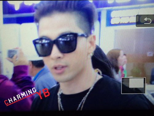 Big Bang - Gimpo Airport - 20may2015 - Tae Yang - charmingyb - 02
