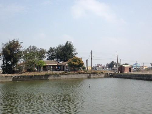 依傍著濕地發展的產業以及生活,是台灣里海的展望。