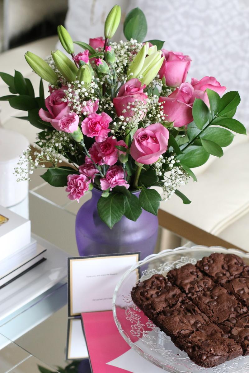 bouquet-roses-floral-arrangement-brownies-3