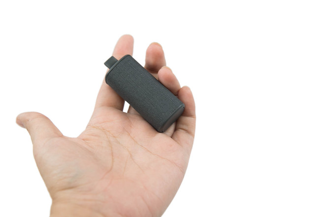 世界最小!最帥氣幾乎隱形的 MOTO Hint+ 藍牙耳機! @3C 達人廖阿輝