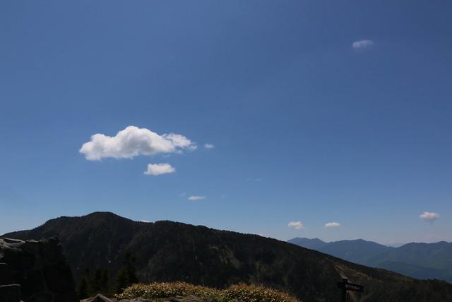 2014-06-15_00632_四阿山.jpg