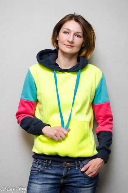 colored-hoodie-3