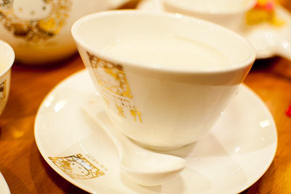養生湯水 杏汁白肺湯 豚の肺入りアーモンドスープ