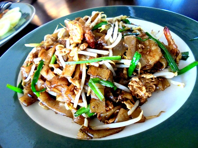 Colourful Cafe fried kway teow