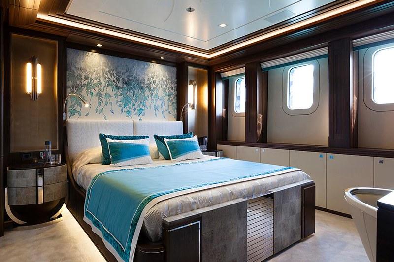 Внутри яхты Heesen Ann G
