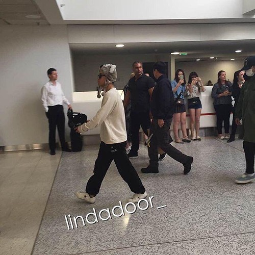 Big Bang - Melbourne Airport - 20oct2015 - lindadoor_ - 02