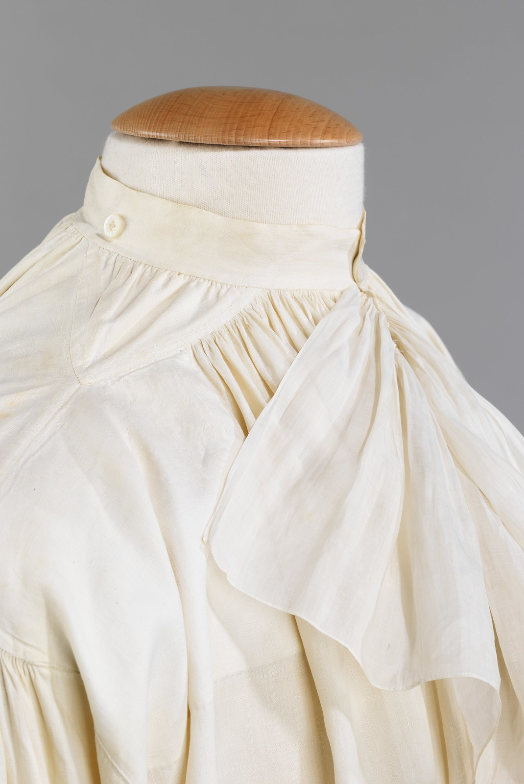 1780. Shirt. French. Linen. metmuseum