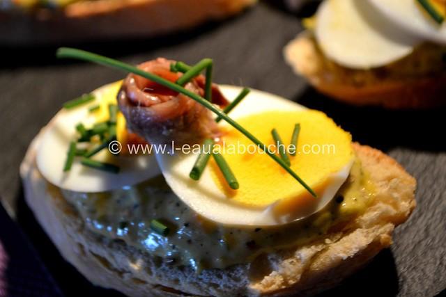 Tartine aux Oeufs  & Anchois sur  Mayonnaise d'Asperges © Ana Luthi  Tous droits réservés 038