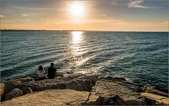 Accoccolati ad ascoltare il mare  quanto tempo siamo stati  senza fiatare .......... (E tu - Claudio Baglioni)