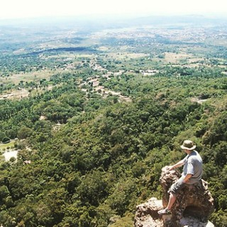 Overlooking the #cariri valley on the Serra do #araripe #ceara #brasil   #brazil_repost #brazilian #nordeste #brasileiro #nordestino #landscape #mountain #valley #overlook #juazeirodonorte #crato #barbalha