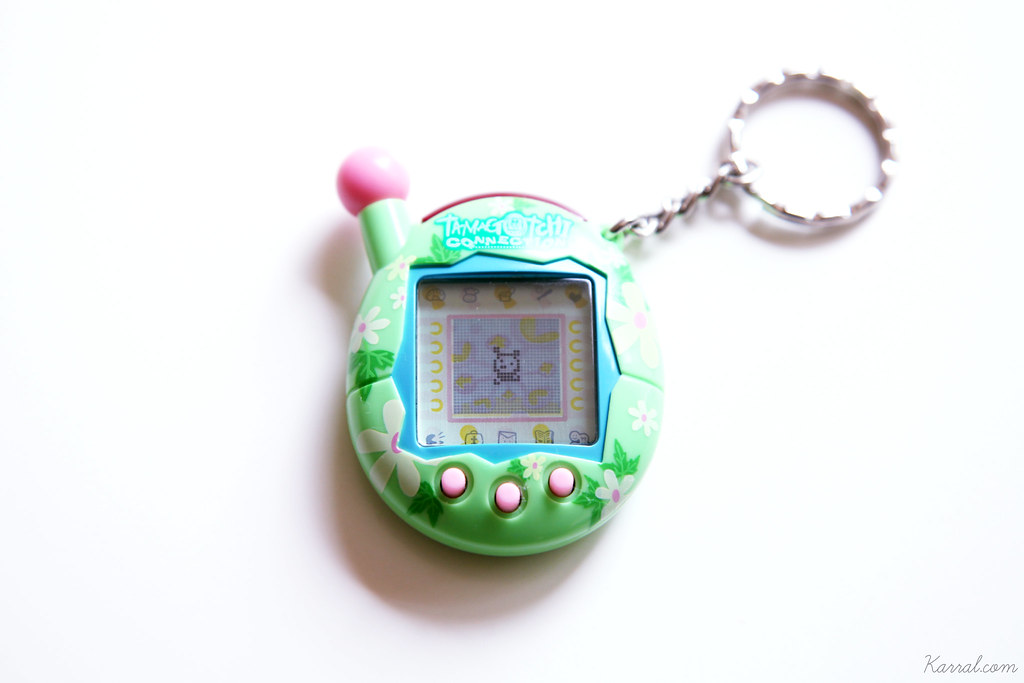 tamagotchi connection V4 Puchitchi girl child sprite character green pink floral blue