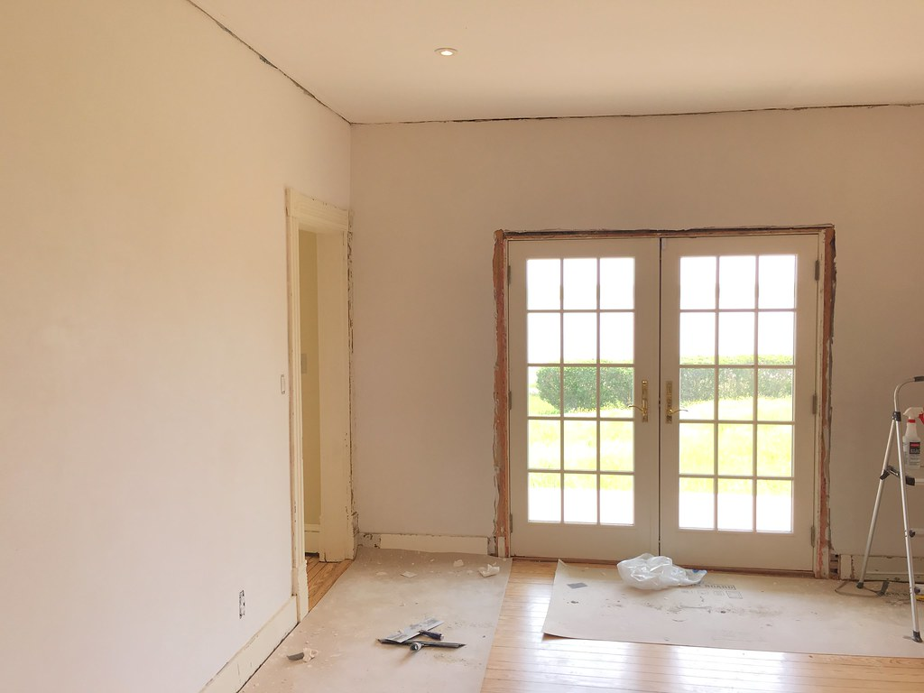 Our Final Step In Plastering This Rather Large Room Was To Apply An  Extremely Thin And Fine Layer Of Master Of Plaster Finish Coat Over The  Entire Roughly ...
