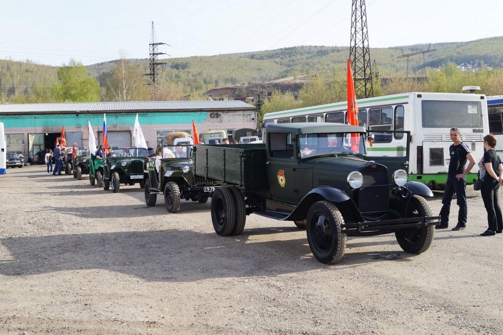 автопробег ретро-грузовиков в Красноярске