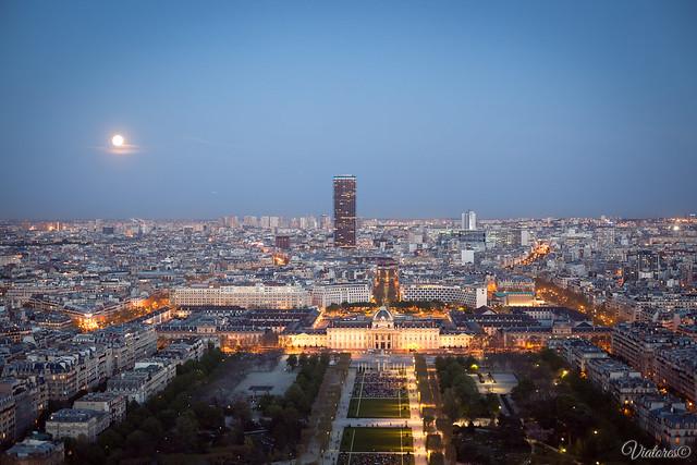 Эйфелева башня. Париж. Tour Montparnasse. Paris. France