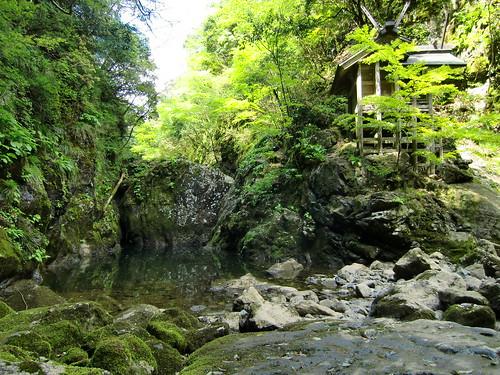 24 天岩戸神社の御座石・神楽石(京都府)