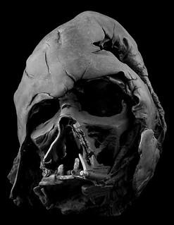 迪士尼與盧卡斯聯手打造最強星戰收藏! 1:1 達斯‧維德頭盔複製品 融化版 Darth Vader Helmet (Melted)