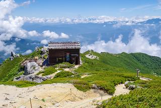 駒峰ヒュッテ手前の分岐から空木平へ下る
