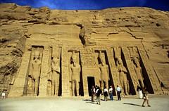 Ägypten 1999 (127) Assuan: Kleiner Tempel von Abu Simbel
