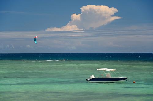 blue sky cloud kite surf turquoise lagoon mauritius reef mauritius100 nikond5100