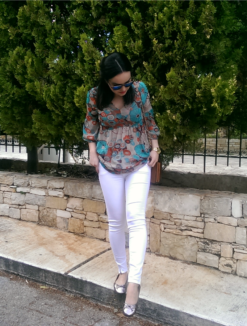 white jeans_