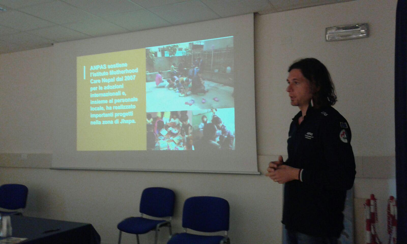 Carmine Lizza descrive il progetto Anpas in Nepal