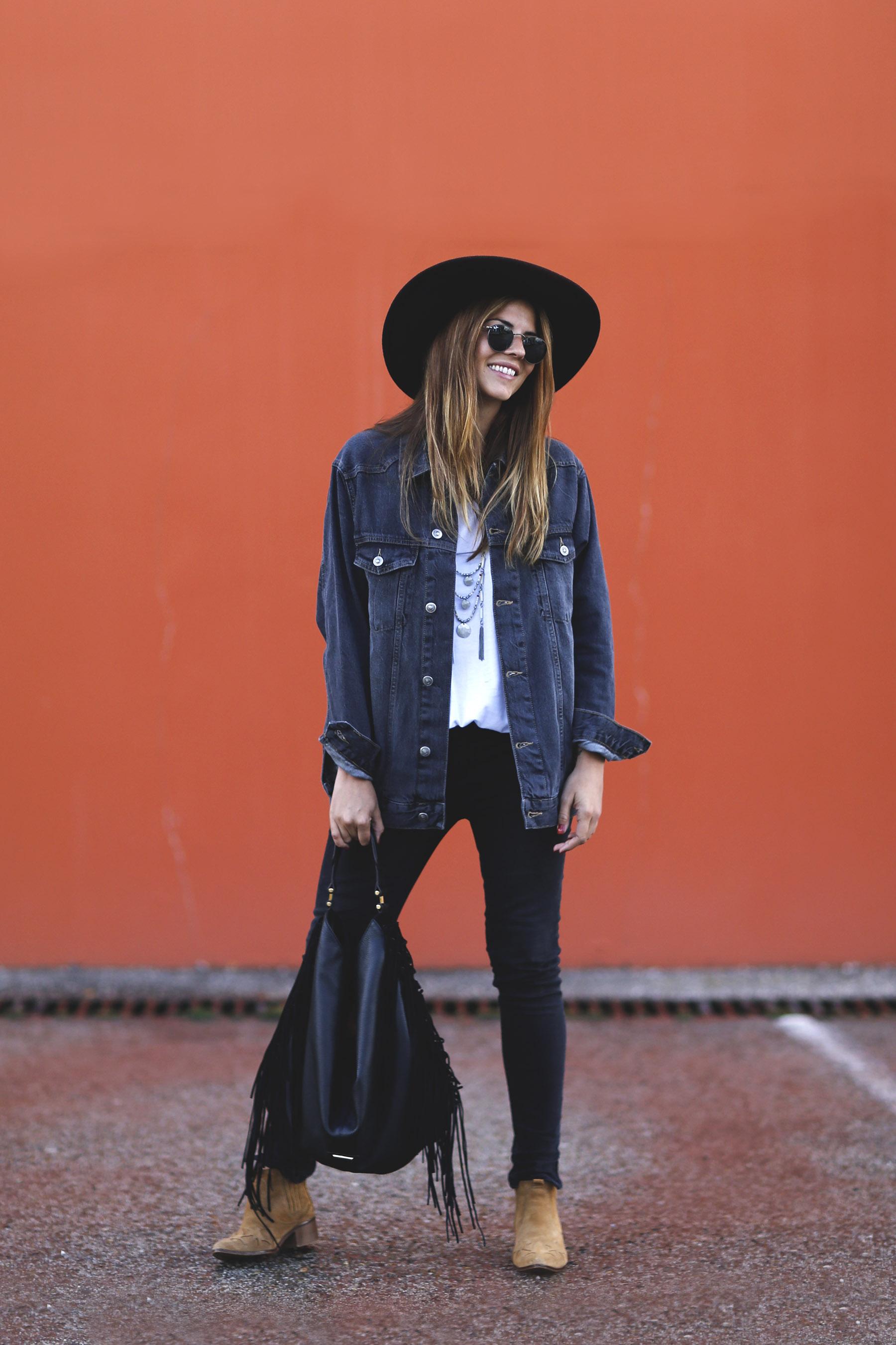 trendy-taste-look-boho-sombrero-flecos-botines-camperos-cowboy-spring-primavera-denim-2