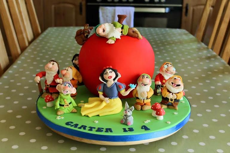 Snow White and Seven Dwarfs Cake by Jacqui Taylor