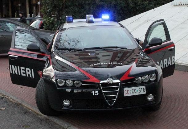 carabinieri salvano famiglia da inondazione
