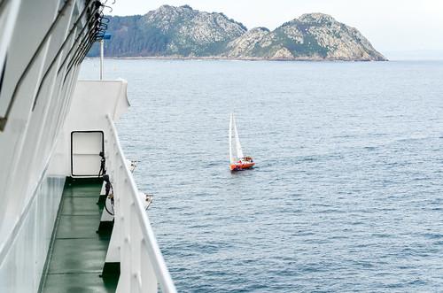 Sailing into la ria de Vigo