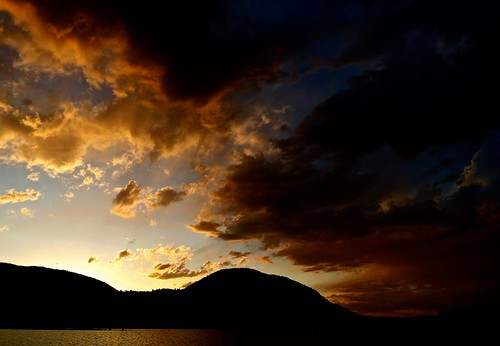 sky cloud lake canada dusk britishcolumbia okanagan panasonic penticton atmospheric lx5 vertorama nigeldawson dmclx5 jasbond007 copyrightnigeldawson2015