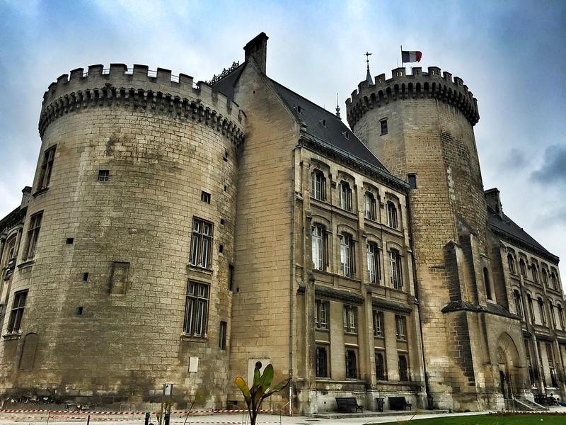 Viejo castillo de Angulema, ahora ayuntamiento