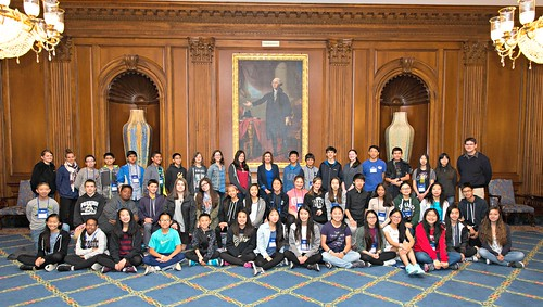 Congresswoman Pelosi meets Presidio Middle School Students