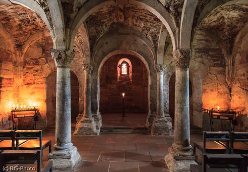 Krypta der Klosterruine Memleben