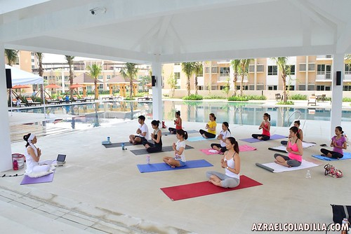 in photos: Kundalini Yoga Sessions by Rosan Cruz at The Grove by Rockwell