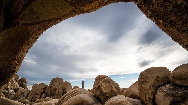Arch rock and girl - Joshua tree national park, USA - Street photography