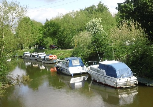 Yalding taxi rank on water