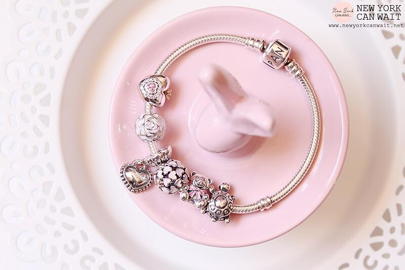 bracciale pandora con cuore rosa