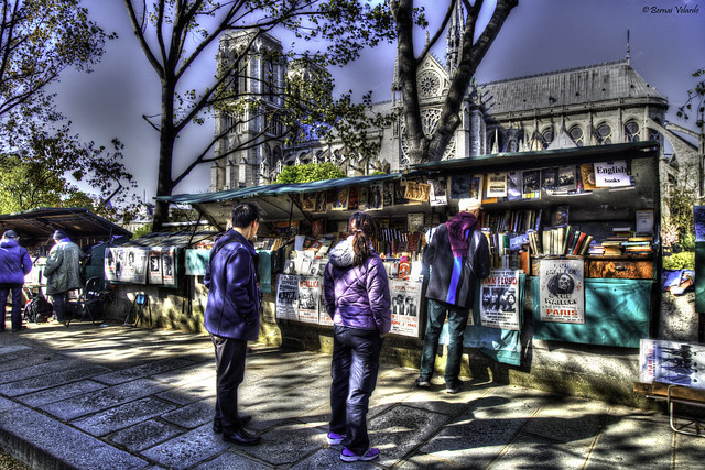 Series: Paris in Spring (A Touch of Paris - The Bouquinistes)