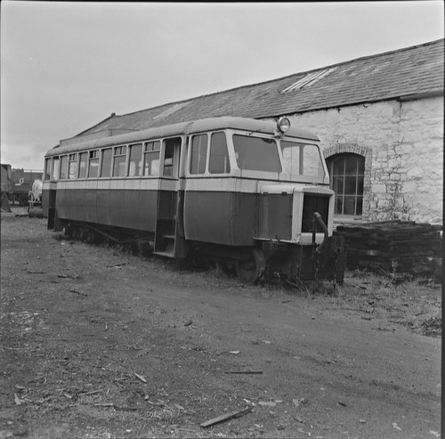 ireland railcar daisy ulster codonegal no18 nationallibraryofireland fintown stranorlar jamespo'dea o'deaphotographiccollection slidingvents winddownwindows weedonegal