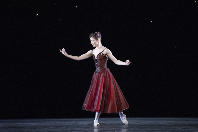 Alina Cojocaru in In the Night, The Royal Ballet © ROH/Tristram Kenton, 2012