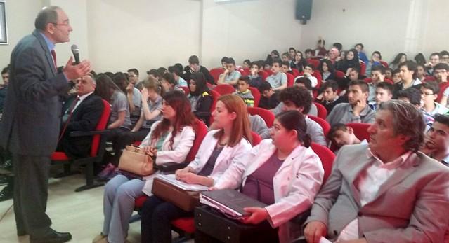 """Lise öğrencilerine """"Bağımlılık"""" semineri"""