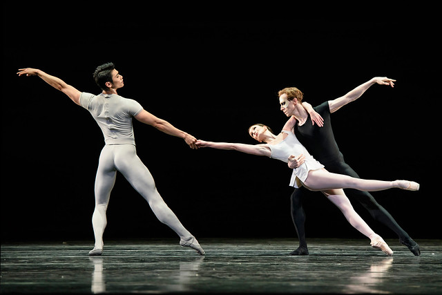 Ryoichi Hirano, Lauren Cuthbertson, and Edward Watson in Song of The Earth © 2015 ROH. Photograph by Bill Cooper